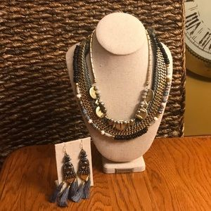 Stella & Dot convertible Necklace w chandelier